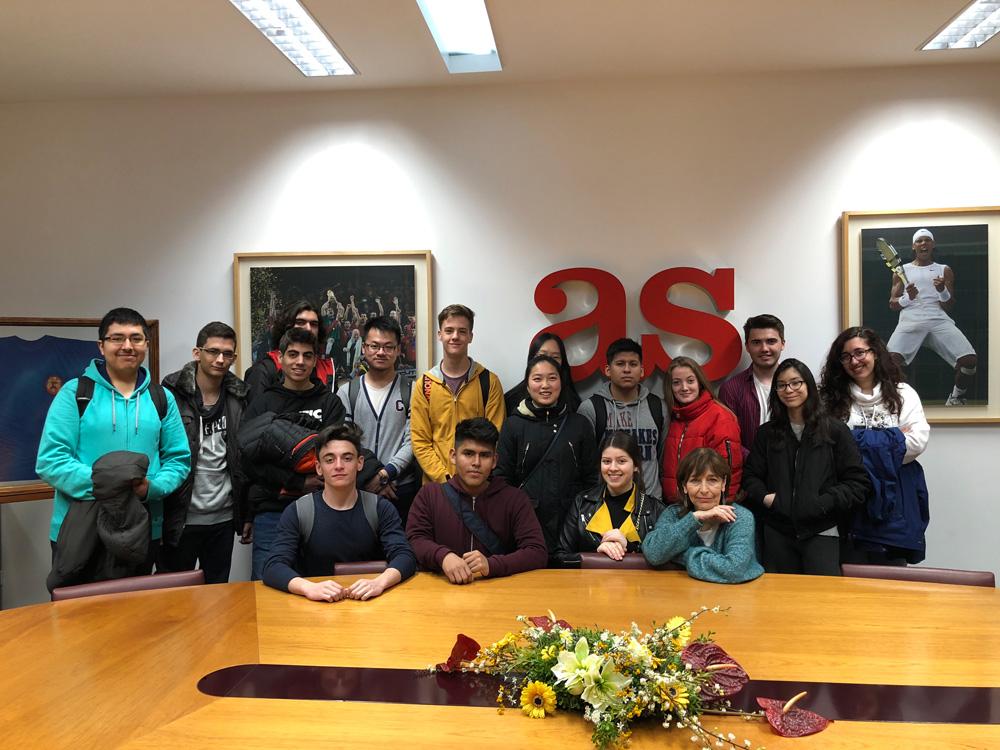 Imágenes del artículo: Visita a El País