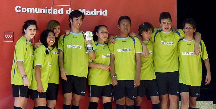 Imágenes del artículo: El equipo de rugby-cinta del Pedro Salinas subcampeón