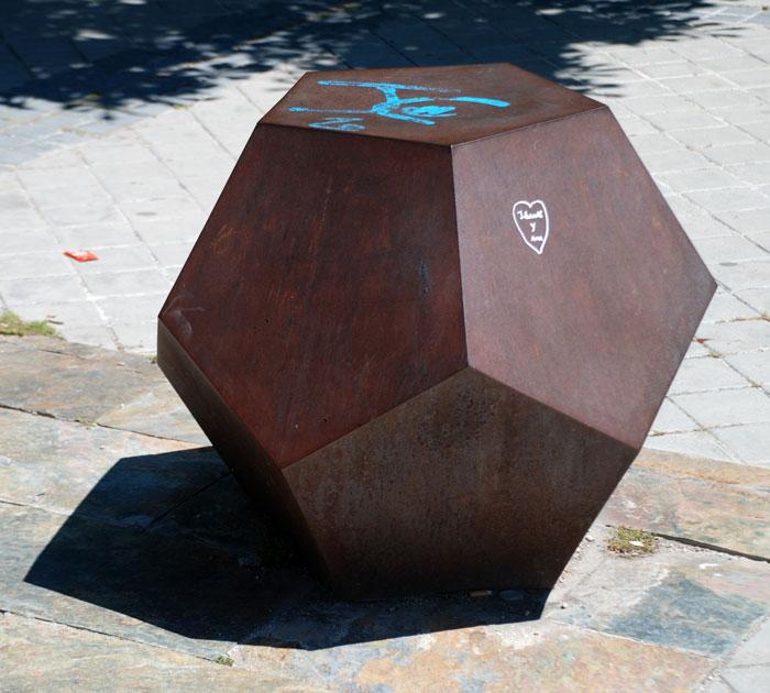 Imágenes del artículo: Los cuerpos geométricos en el Madrid-Río y el Pasillo Verde