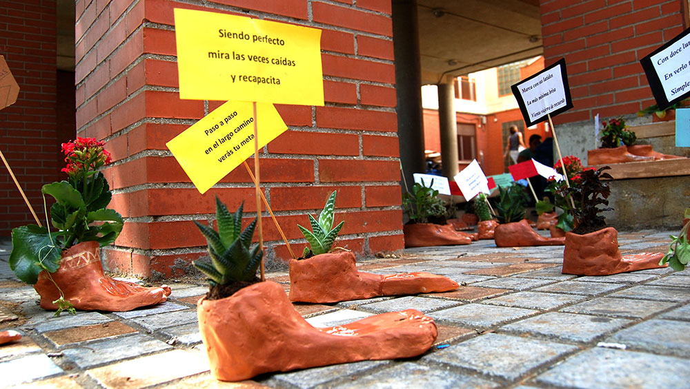 Imágenes del artículo: Arte caminando por nuestro instituto