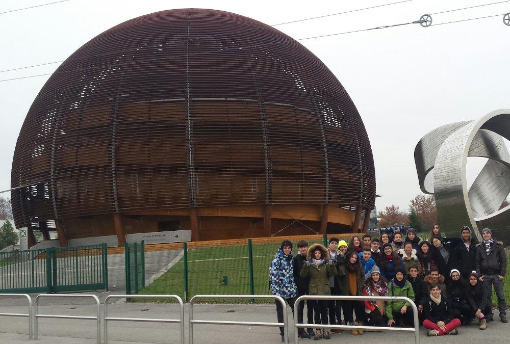 Imágenes del artículo: En el acelerador de partículas del CERN