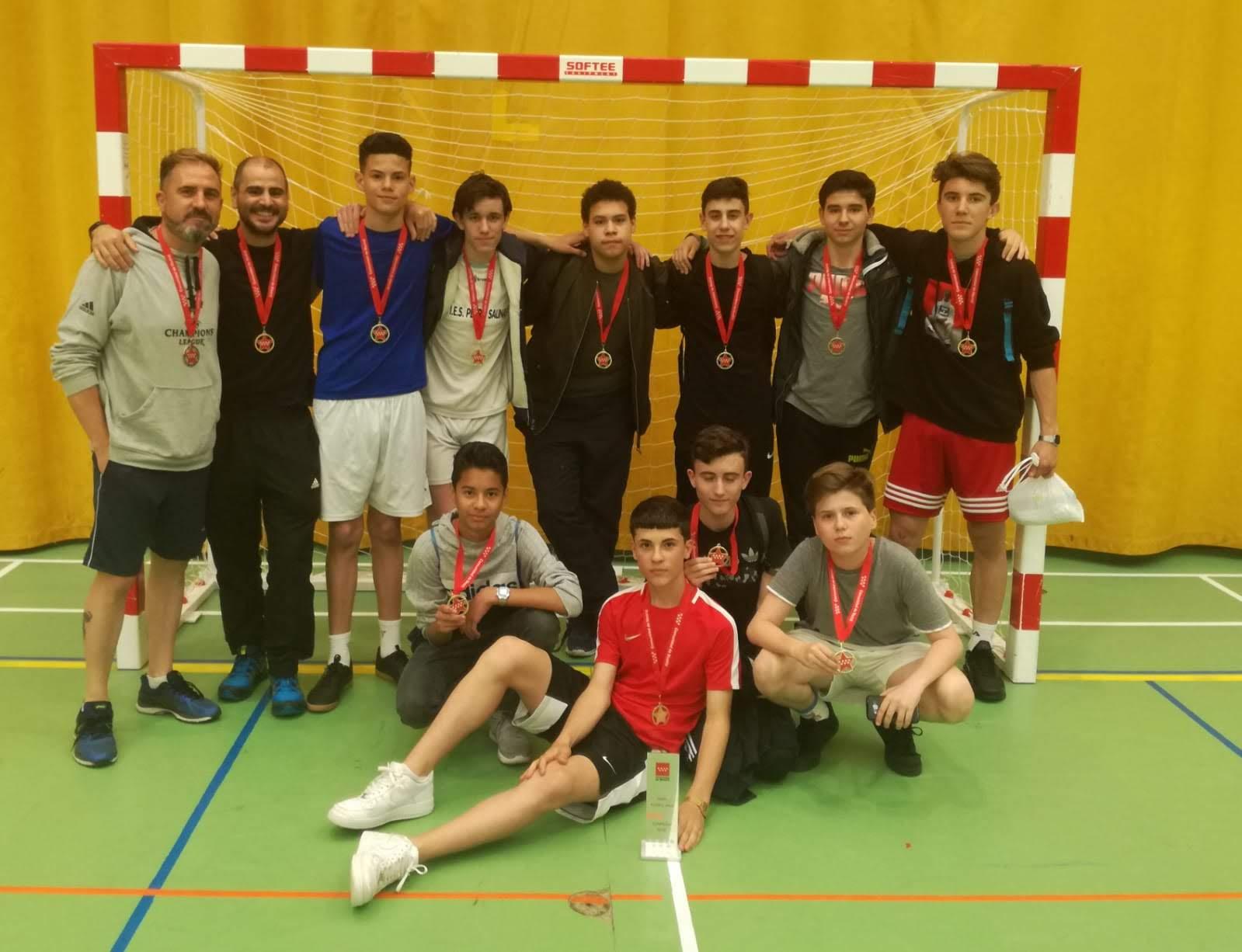 Imágenes del artículo: El Pedro Salinas campeón de Fútbol-Sala en la final de Campeonatos Escolares