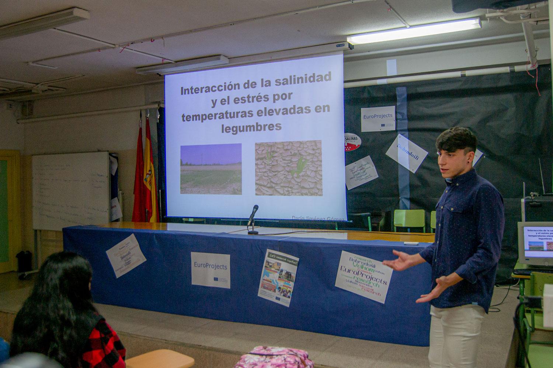 Imágenes del artículo: Exposición de los Proyectos de investigación 18-19